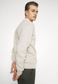GAP - MINI ARCH - Sweatshirt - oat beige - 4