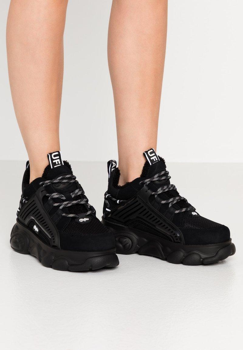 Buffalo - HIKE - Sneaker low - black