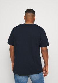 Johnny Bigg - ESSENTIAL V NECK TEE - Basic T-shirt - navy - 2