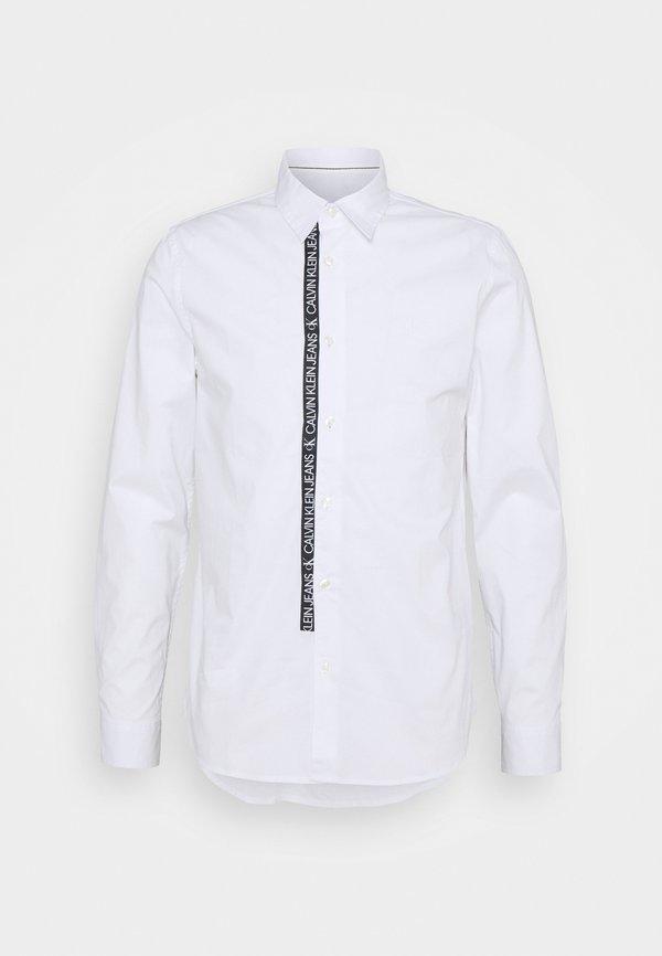 Calvin Klein Jeans LOGO TAPE - Koszula - bright white/biały Odzież Męska VFHE