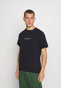 Night Addict - FLYAWAY - T-shirt con stampa - black - 2