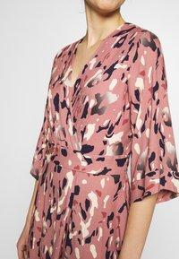 Closet - A-LINE MIDI DRESS - Day dress - pink - 4