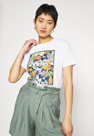 SONGWRITER JUNIOR BOXY - Camiseta estampada - white