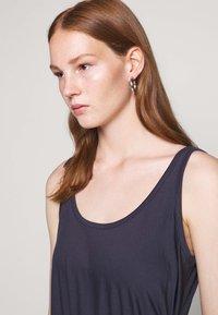 BLANCHE - DRAW DRESS TANK - Robe d'été - graphite - 3