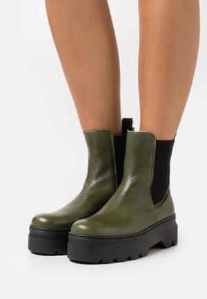 VIOLA - Platform ankle boots - green
