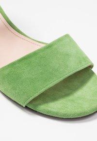 Maripé - Sandals - verde - 2