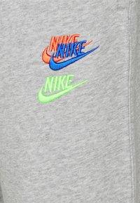Nike Sportswear - Pantaloni sportivi - dk grey heather - 2