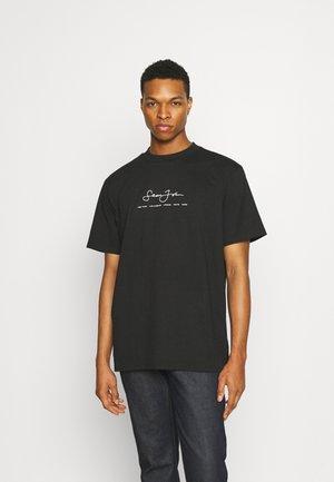 CLASSIC LOGO ESSENTIAL TEE - T-shirt print - black