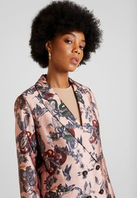 Scotch & Soda - PRINTED DOUBLE BREASTED - Blazer - pink - 3