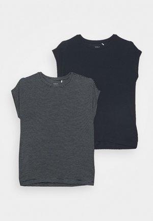 NKFSHIALLIA 2 PACK - Camiseta estampada - dark sapphire