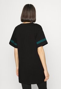 Diesel - UFTEE-CHEERLY T-SHIRT - Nightie - black/green - 2