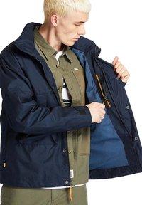 Timberland - FIELD TRIP - Waterproof jacket - dark sapphire - 4