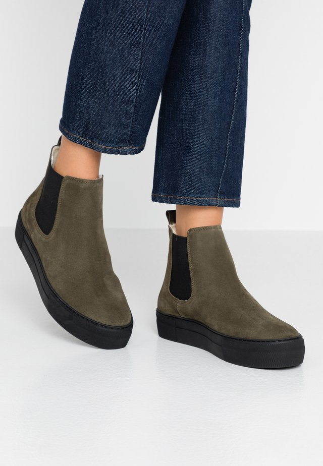 AMBER - Ankle boots - olive