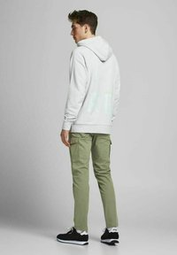 Jack & Jones - Cargo trousers - deep lichen green - 2
