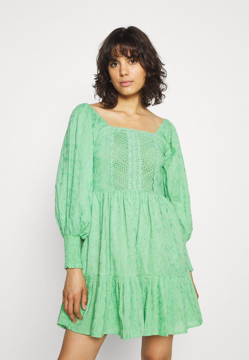 Lace & Beads - CAYLEE DRESS - Koktejlové šaty/ šaty na párty - green