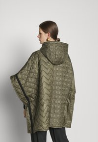 TWINSET - MANTELLA IMBOTTITA MIX TRAPUNTE - Winter coat - verde alpino - 2