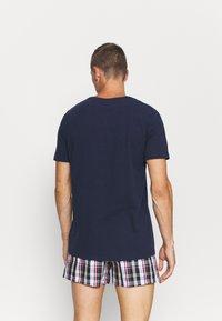 Tommy Hilfiger - HENLEY TEE CREST - Pyjama top - blue - 2