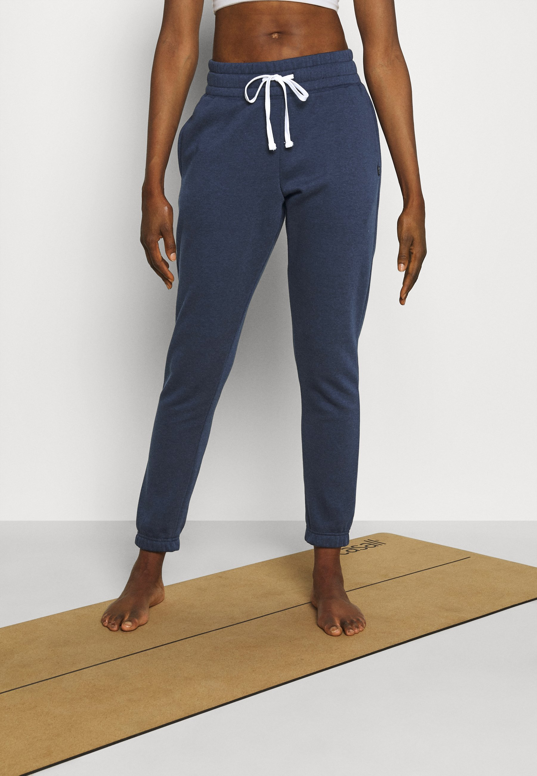 Femme LIFESTYLE GYM TRACK PANTS - Pantalon de survêtement