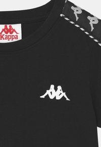 Kappa - INULA - Print T-shirt - caviar - 2