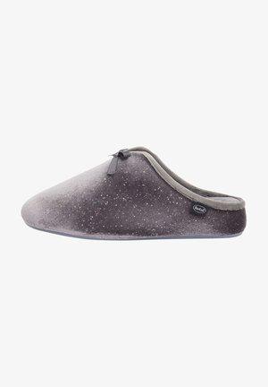 RACHELE - Slippers - grau