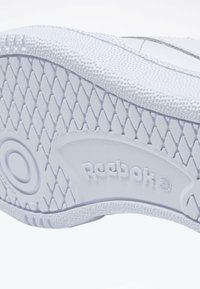 Reebok Classic - CLUB C 85 SHOES - Zapatillas - white - 6