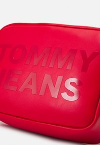 Tommy Jeans - CAMERA BAG - Across body bag - red - 3