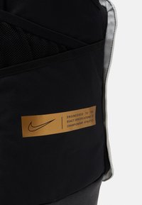 Nike Performance - HOOPS ELITE PRO BACK PACK - Rucksack - black/white/metallic gold - 3