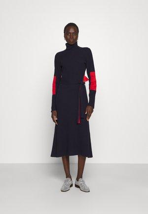 HIGH NECK MIDI DRESS - Jumper dress - navy/bright red