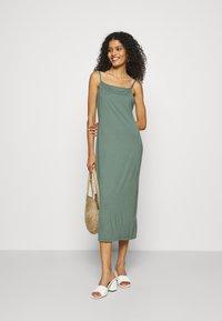 Zign - Sukienka z dżerseju - green - 1