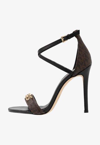 GOLDIE SINGLE SOLE - Sandaler med høye hæler - black/brown
