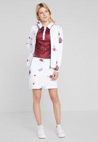 Cross Sportswear - FLOWER SKORT - Falda de deporte - white - 1