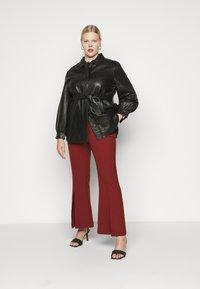 Selected Femme Curve - SLFLEA LONG JACKET - Faux leather jacket - black - 1