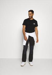 The North Face - BERKELEY CALIFORNIA POCKET TEE - Print T-shirt - black - 1