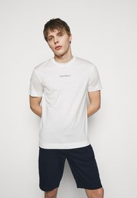 Emporio Armani - EXCLUSIVE  - Basic T-shirt - white - 0