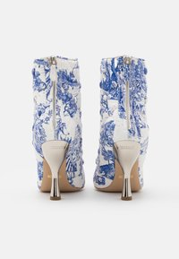 MOSCHINO - Classic ankle boots - light blue - 3