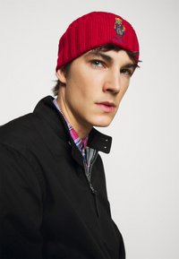 Polo Ralph Lauren - OUTDOOR BEAR HAT - Pipo - red - 1