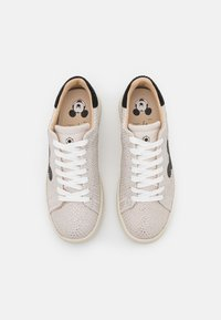 MOA - Master of Arts - GALLERY - Trainers - white - 4