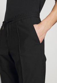 KARL LAGERFELD - Kalhoty - black - 4