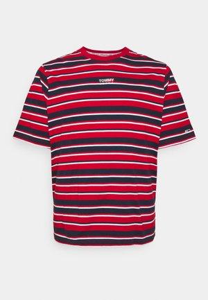 GRAPHIC STRIPE TEE - Print T-shirt - deep crimson