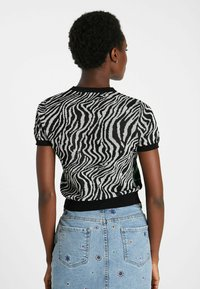 Desigual - ZEBRA  - Print T-shirt - black - 2