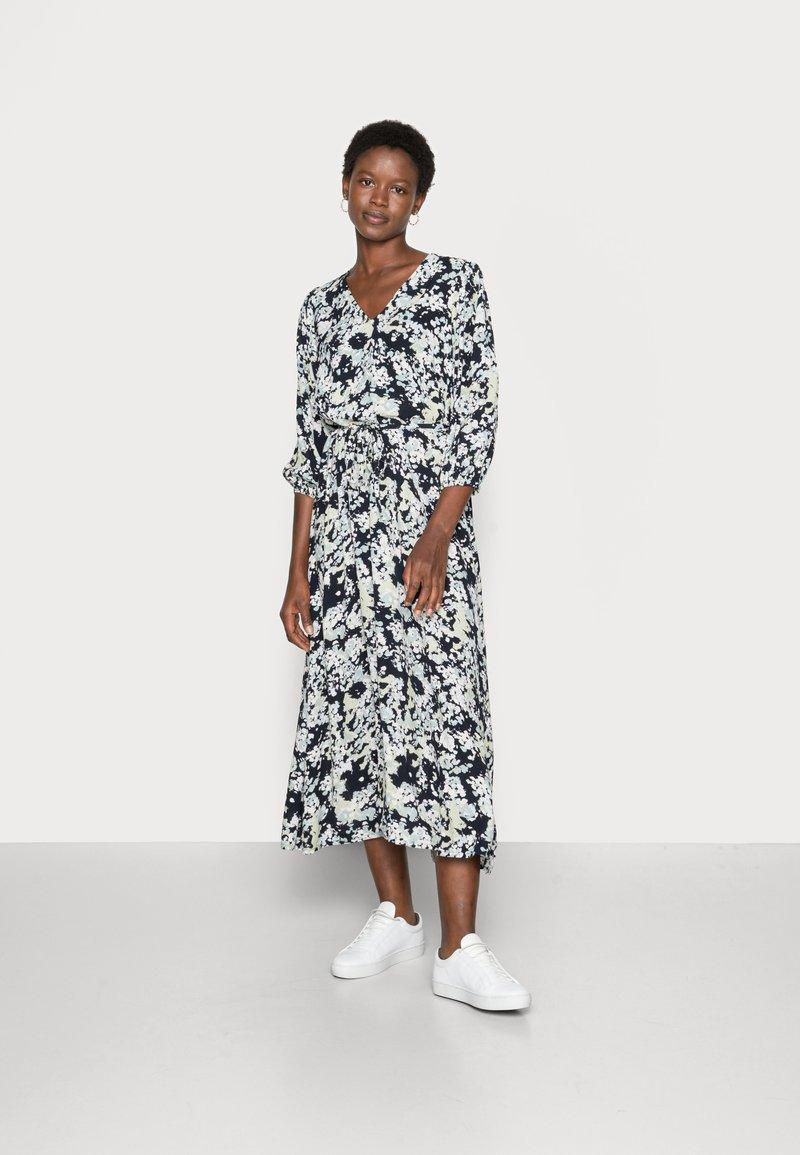 Moss Copenhagen - THESSA JALINA DRESS - Maxi dress - cap blur
