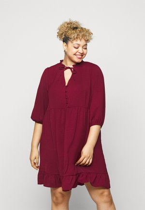 HERRINGBONE SMOCK DRESS - Denní šaty - rust