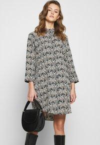 Monki - MOA RAGLAN - Shirt dress - multi-coloured - 3