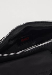 HUGO - RECORD BUMBAG - Heuptas - black - 6