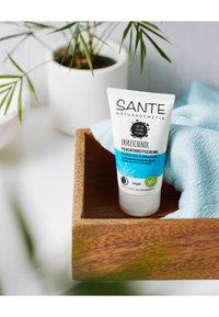 Sante - REFRESHING MOISTURISING CREAM ORGANIC ALOE VERA & CHIA SEEDS - Face cream - - - 2