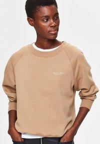 Selected Femme - Sweatshirt - tigers eye - 3