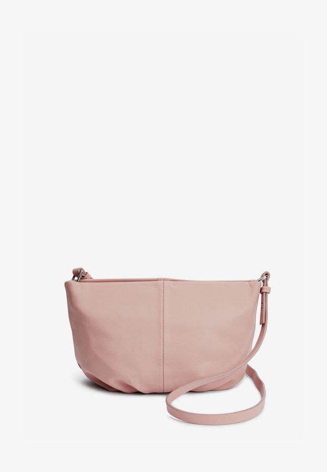 GATHERED - Taška spříčným popruhem - light pink