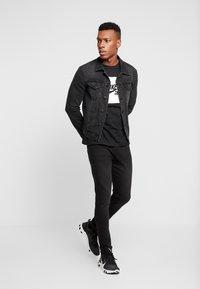 Daily Basis Studios - DENIM CAST 6 - Jeans Skinny Fit - black wash - 1