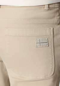 Napapijri - MULLEY - Relaxed fit jeans - natural beige - 4