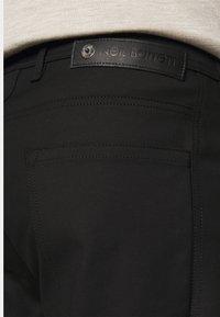 Neil Barrett - SUPER REGULAR RISE  - Jeans Skinny - black - 4
